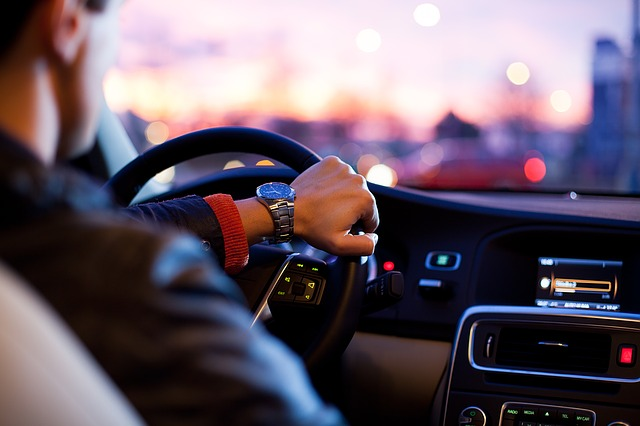 Stages de conduite pour adolescents