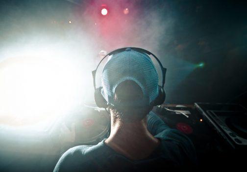 Tout savoir sur le métier d'un DJ