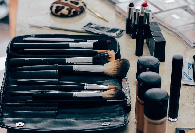 produits cosmétiques et maquillage